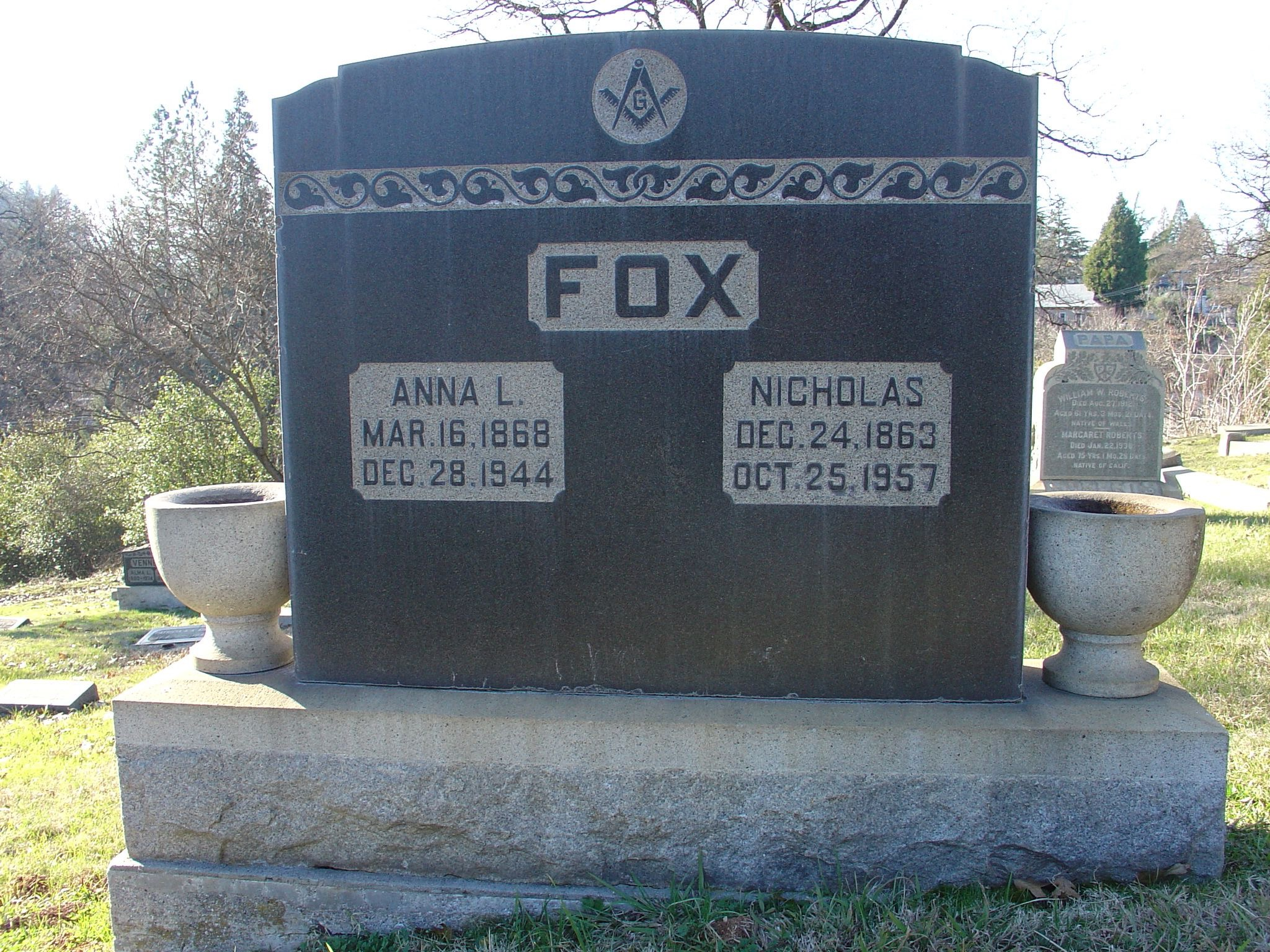 Fox headstone